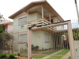 Casa na Rua Olinto Flores de Menezes, 88